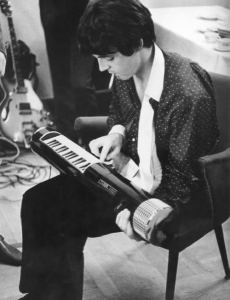 paul-mccartney-fiddles-around-with-an-ancestor-of-the-keytar-the-tubon-backstage-at-a-gig-in-germany